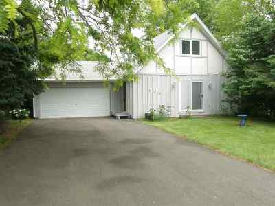 Stephenson County Single Family Home For Sale: 806 Gainsboro