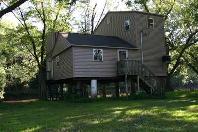 Pecatonica Single Family Home For Sale: 859 N Farwell Bridge Road