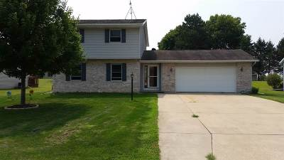 Stephenson County Single Family Home For Sale: 207 Meadow Drive