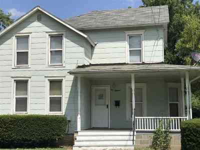 Freeport IL Single Family Home For Sale: $26,900