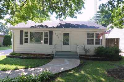 Rockford IL Single Family Home For Sale: $84,000