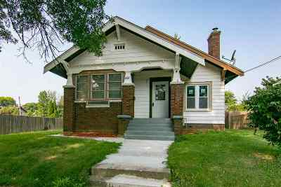 Rockford Single Family Home For Sale: 521 Washington Street