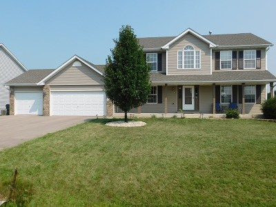 Ogle County Single Family Home For Sale: 701 Golden Prairie Drive