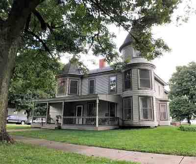 Boone County, Ogle County, Stephenson County, Winnebago County Single Family Home For Sale: 310 N Franklin Avenue