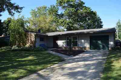 Boone County, Ogle County, Stephenson County, Winnebago County Single Family Home For Sale: 1408 Comanche Drive