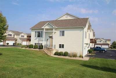 Belvidere Condo/Townhouse For Sale: 2049 Derby Lane