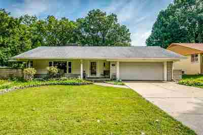 Rockford IL Single Family Home For Sale: $137,500