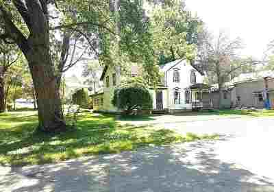 Leaf River IL Single Family Home For Sale: $32,500