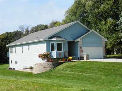 Stephenson County Single Family Home For Sale: 790 Gainsboro