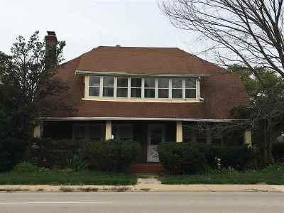 Winnebago County Single Family Home For Sale: 1703 Auburn Street