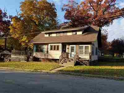 Loves Park Single Family Home For Sale: 4802 Illinois Street