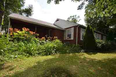 Rockford Single Family Home For Sale: 4917 Newburg Road