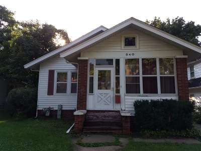 Rockford IL Single Family Home For Sale: $59,900