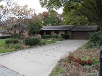 Rockford Single Family Home For Sale: 2611 Driftwood Lane