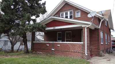 Winnebago County Single Family Home For Sale: 819 Houghton Street