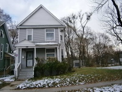 Boone County, Ogle County, Stephenson County, Winnebago County Single Family Home For Sale: 717 N Horsman Street