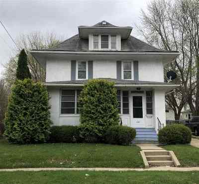 Stephenson County Single Family Home For Sale: 639 W Cottonwood Street