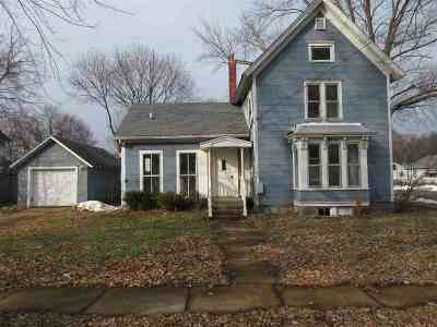 Belvidere Single Family Home For Sale: 426 E Lincoln Avenue