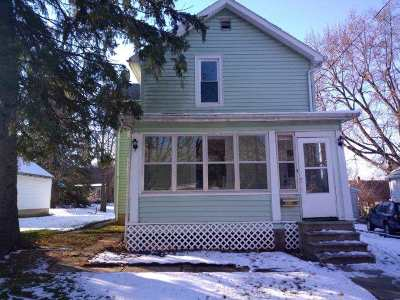 Boone County, Ogle County, Stephenson County, Winnebago County Single Family Home For Sale: 1624 S Highland Avenue