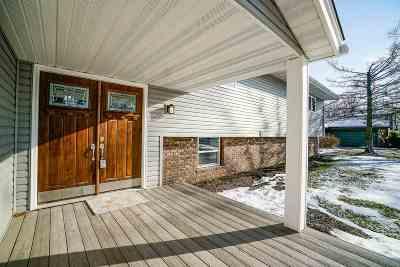 Rockford Single Family Home For Sale: 1521 Saratoga