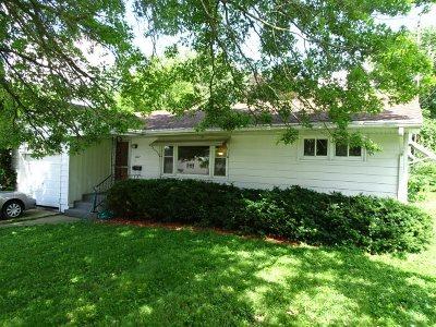 Stephenson County Single Family Home For Sale: 1627 S Oak Avenue