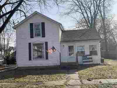 Ogle County Single Family Home For Sale: 107 S 4th Avenue