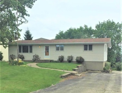 Boone County, Ogle County, Stephenson County, Winnebago County Single Family Home For Sale: 2366 Butternut Bend