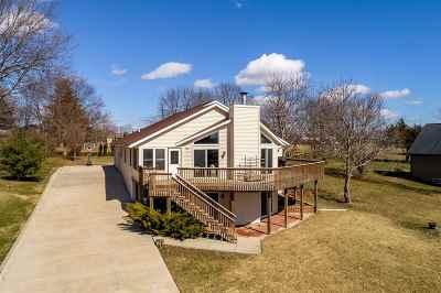 Winnebago County Single Family Home For Sale: 1573 Chadbourne Drive