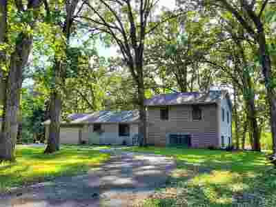Ogle County Single Family Home For Sale: 5287 E Canfield (5 Ac) Road