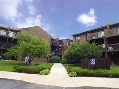 Rockford Condo/Townhouse For Sale: 2929 Sunnyside #102a Drive