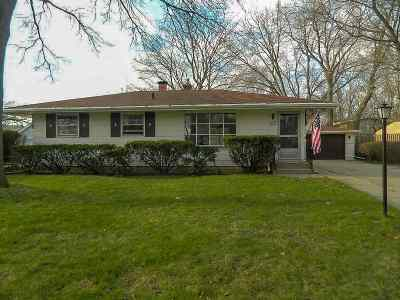 Rockford Single Family Home For Sale: 1911 Wisteria