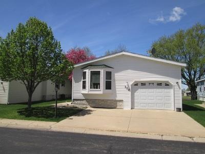 Belvidere Single Family Home For Sale: 310 Elder Lane