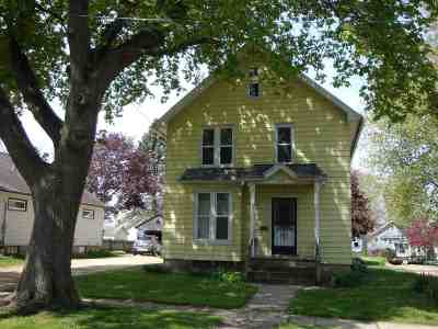Belvidere Single Family Home For Sale: 817 Maple Avenue