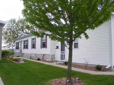 Belvidere Single Family Home For Sale: 117 Club Circle