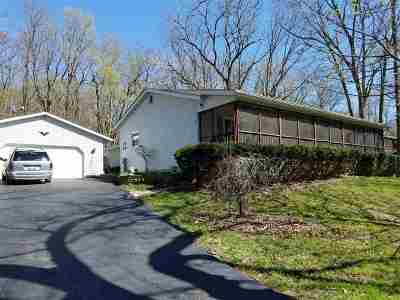 Ogle County Single Family Home For Sale: 371 N Daysville Road