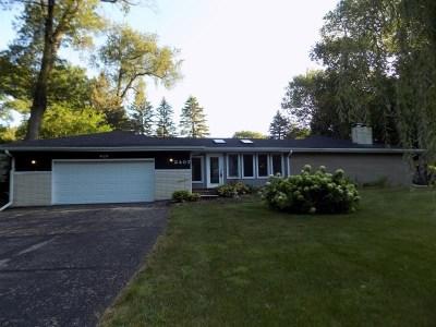 Rockford Single Family Home For Sale: 2407 Trillium Trail