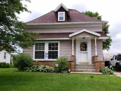 Stephenson County Single Family Home For Sale: 297 Carver Street