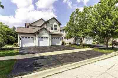 Rockford Condo/Townhouse For Sale: 5654 Cherryleaf Lane