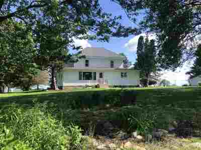 Boone County, Ogle County, Stephenson County, Winnebago County Single Family Home For Sale: 3053 S Chamberlain Road