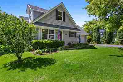 Poplar Grove Single Family Home For Sale: 106 SW Wenatchee Way