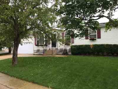 Belvidere Single Family Home For Sale: 307 Elder Lane