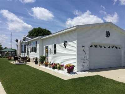 Belvidere Single Family Home For Sale: 266 Fox Lane