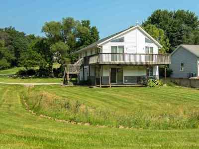 Stephenson County Single Family Home For Sale: 463 Marstonmoor Road