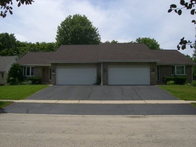 Rockford Multi Family Home For Sale: 1447 Woodcreek Bend