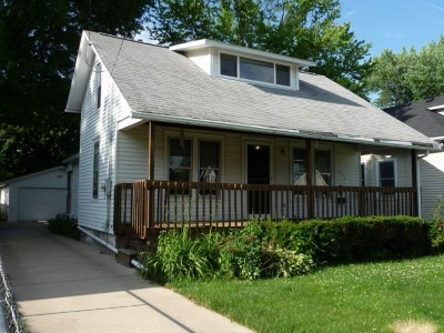 Loves Park Single Family Home For Sale: 236 Grand Avenue