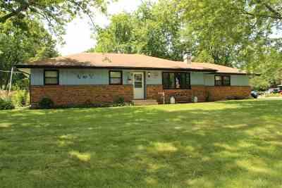 Machesney Park Single Family Home For Sale: 903 Hollybrook Drive