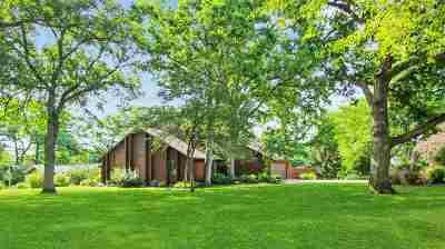 Freeport Single Family Home For Sale: 2571 Royal Oaks Drive