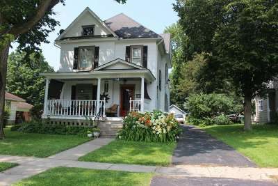 Belvidere Single Family Home For Sale: 703 Maple