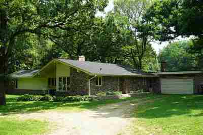 Rockford Single Family Home For Sale: 1150 Old River Rd Ct