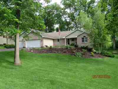Ogle County Single Family Home For Sale: 808 W Chinquapin Drive